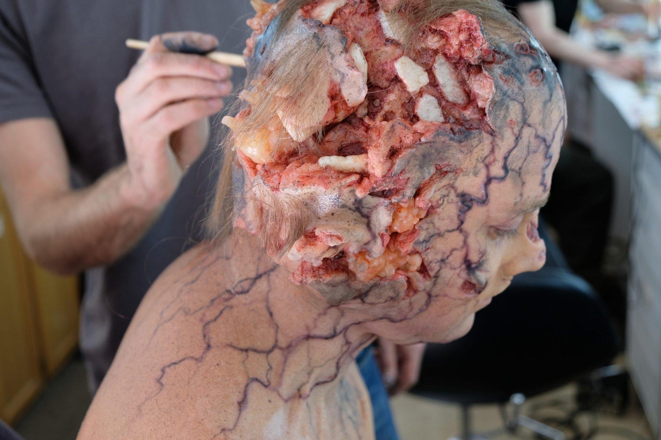 Makeup Application with Raquel Munuera Sànchez and Tristan Versluis
